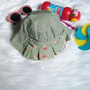 Baby GAP Floral Ruffle Green Hat 🌺